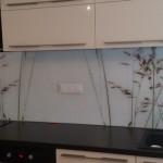 oslikano dekor kaljeno staklo za kuhinje