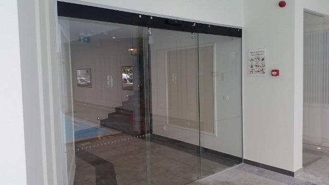 Automatska stakelna vrata